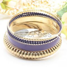 http://www.thdress.com/Purple-popular-five-laps-alloy-bracelet-p13483.html