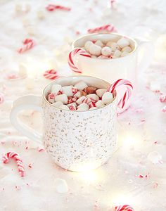 Nutella Peppermint Hot Chocolate Spiked (Or Not!) Recipe #anthrofave mug