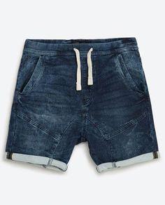 Men's Fashion – World Trends Fashion Bermuda Jeans Infantil, Boy Fashion, Mens Fashion, Africa Fashion, Style Urban, Style Casual, Culottes, Kids Shorts, Sport Pants