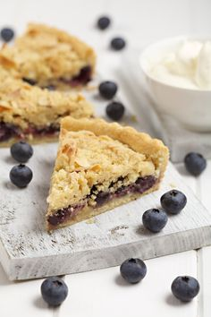 Preheat the oven to Make the pastry for the base, by rubbing in the butter and flour and adding enough liquid to make a soft dough. Tart Recipes, Sweet Recipes, Snack Recipes, Snacks, Yummy Food, Tasty, Blueberry Recipes, Sweet Tooth, Baking