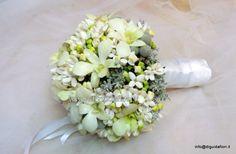 bouquet dfa sposa con bouvardia e orchidee