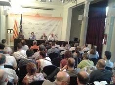 """Tresserras: """"Estem condemnats a ser originals. No hi ha precedents com el procés català"""" - elsingular.cat, 03/07/2014. En un acte a la seu central d'Òmnium, davant un centenar de persones, amb alguns polítics d'ERC ja retirats com Joan Puig, Tresserras ha augurat que la nova Catalunya que pugui néixer ja no serà un estat-nació tradicional perquè les elits –la burgesia, ha dit- no està en el motor del procés."""
