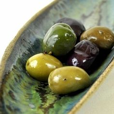 great color palette for Italian home. Starting to have a taste for olives when drinking wine. Olive Harvest, Marinated Olives, Vert Olive, Good Food, Yummy Food, Olive Gardens, Olive Tree, Food Pictures, Italian Recipes