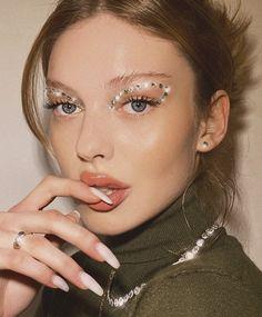 Makeup Eye Looks, Creative Makeup Looks, Smokey Eye Makeup, Cute Makeup, Glam Makeup, Pretty Makeup, Makeup Art, Beauty Makeup, Glitter Makeup Looks