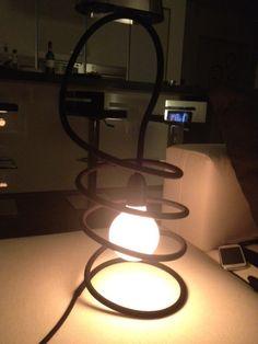 la nostra nuova lampada da lettura: MOLLA di Renzo Serafini