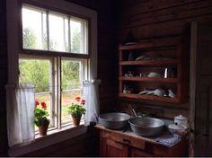 vanha ikkuna vuorilauta - Google Search
