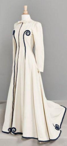 Balenciaga coat c. 1938-40 Haute couture Cornette de Saint Cyr - 46, avenue Kléber - 75016 Paris, France