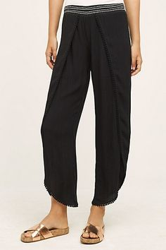 i love this wide-leg pant along with this top form #antrhopologie.  Great for an inverted triangle shape.
