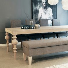 Ygg og Lyng Love the table