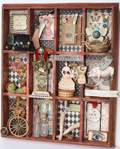 Quadro todo em mini-divi'sorias decorado em madeira.