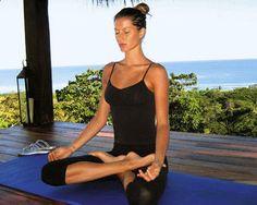 Gisele  Bundchen - Yoga - Meditation