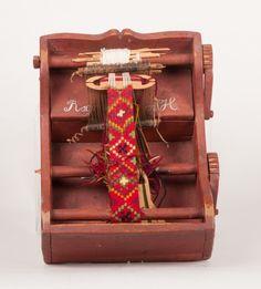 Bandestol - Hallingdal Museum / DigitaltMuseum Inkle Weaving, Inkle Loom, Tablet Weaving, Woven Belt, Loom Bands, Loom Patterns, Museum, Crafty, Quilts