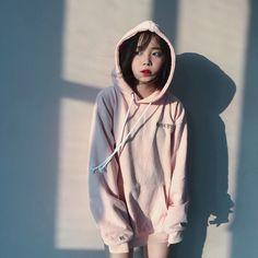 Cute Korean Girl, Asian Girl, Uzzlang Girl, Cute Hoodie, Korean Outfits, Girls Wear, Mix Match, Swagg, Korean Fashion
