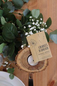 """Ce petit sachet """"Graines d'amour"""" laissera un joli souvenir à vos invités. Ils pourront faire pousser une belle plante en souvenir de cette journée."""