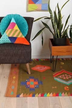 Styling ideas and love the Beci Orpin Kilm Rug at Urban Outfitters Living Room Inspiration, Interior Inspiration, Urban Outfitters, Triangle Pillow, 4x6 Rugs, Textiles, Beautiful Space, Woven Rug, Kilim Rugs