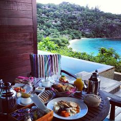 A delectable spread at the Four Seasons Seychelles. Photo courtesy of amn_a on Instagram.