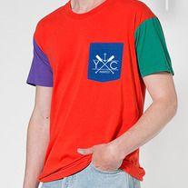 abf42e0af66e5 A soft T-shirt in our unique color block style