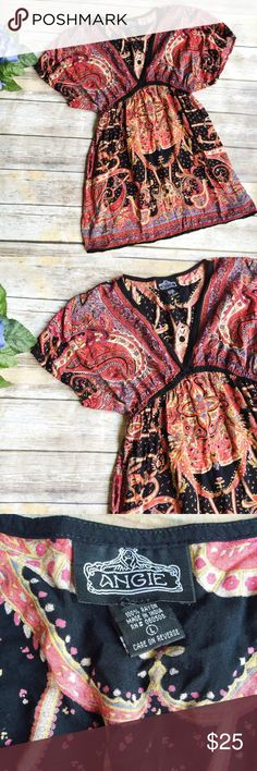 Angie Sweet Design Tunic ★ EUC ★ Measurements available upon request ★ Reasonable Offers Accepted  ★ No Trades ★ No Modeling Angie Tops Tunics