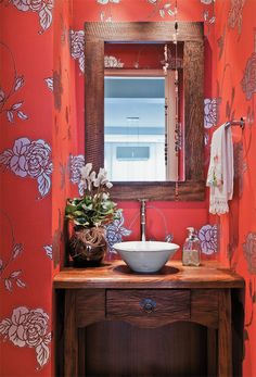 Wall Paper Bathroom Beach Ideas For 2019 Bathroom Red, Beach Bathrooms, Bathroom Wallpaper, Small Bathroom, Wallpaper Decor, Home Board, Bathroom Interior Design, Beautiful Bathrooms, Sweet Home