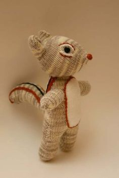 Glove Chipmunk - so cute! I want to find out how to make one of these!
