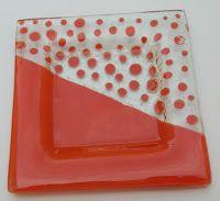 Objetos de vidrio hechos a mano Slumped Glass, Fused Glass Plates, Fused Glass Art, Glass Dishes, Melting Glass, Wine Bottle Candles, Square Plates, Glass Photo, Stained Glass Panels