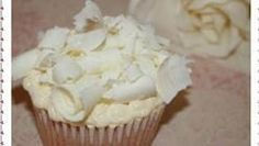 White Chocolate Mud Cupcakes - Cupcake Recipes, White Chocolate Mud Cupcakes, Cupcake Monsters Cupcake Maps, Bake for approx 20 to 22 minutes or until a toothpick comes out clean, http://www.cupcakemaps.com/blog/white-chocolate-mud-cupcakes-vanilla-cupcake-recipes.html