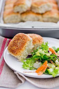 Buns with Garlic, Herbs and Parmesan Cheese Parmesan, Kraut, Salmon Burgers, Garlic, Sandwiches, Food Porn, Rolls, Herbs, Bread