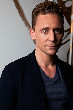 Tom Hiddleston photographed by Henny Garfunkel during the 2015 Toronto International Film Festival on September 12, 2015. Full size image [UHQ]: http://ww2.sinaimg.cn/large/80336770gw1ewrjo3p1wnj21kw2dcqpa.jpg Source: Torrilla, Weibo
