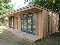 Garden room cladding Garden Rooms From Oeco Offering a National Installation Service Backyard Office, Backyard Studio, Garden Office, Garden Lodge, Garden Cabins, Shed Design, House Design, Mini Chalet, Modern Shed