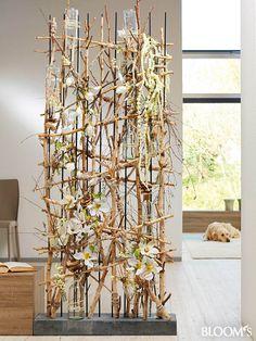 Deco Floral, Arte Floral, Floral Design, Creative Flower Arrangements, Floral Arrangements, Corporate Flowers, Branch Decor, Deco Table, Ikebana