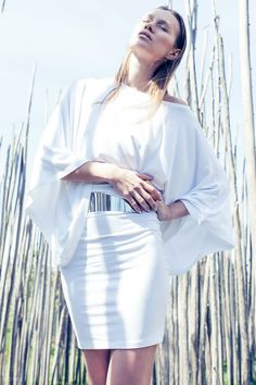 White eyeliner, white summer dress, kimono sleeves, fashion editorial for Eclectic Society by Gonçalo M Catarino