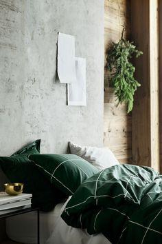 Cozy Natural Home Decor Bedroom Ideas You Have To See Green Bedroom Design, Bedroom Green, Green Rooms, Master Bedroom, Master Suite, Green Duvet Covers, Duvet Cover Sets, Set Cover, Bedroom Furniture Sets