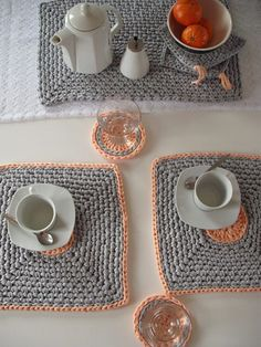 Set of 2 crocheted placemats - offer 2 coasters. Housewares - Table decor