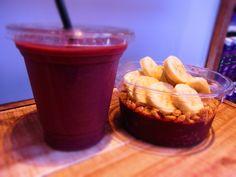 Açaí Strawberry and Banana smoothie at SAMBAZON Açaí Cafe, Harajuku.