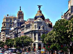 Where to Stay in Madrid in 2017:The Ultimate Guide to The 10 Best Areas and 30 Top Value Hotels | Best Value Hotels in Gran Via - Click to Read