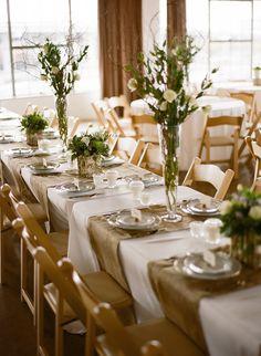nice table settings, simple yet elegant...I LOVE!