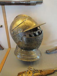 Helm in het museum.