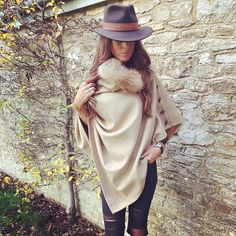 The home of luxury British made tweed clothing. Contemporary designs inspired by the British countryside. Race Day Fashion, Races Fashion, Fashion Tips, Race Day Outfits, Races Outfit, Tweed Outfit, Women's Shooting, Chunky Knitwear, Country Fashion