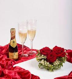 VALYS HANDMADE Birthday Greetings, Happy Birthday, Alcoholic Drinks, Champagne, Table Decorations, Glass, Handmade, Wonderful Places, Celebrations