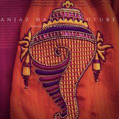 Aari Embroidery, Embroidery Works, Machine Embroidery Designs, Kutch Work Designs, New Blouse Designs, Designer Blouse Patterns, Boutique Design, Textiles, Zardosi Work
