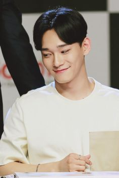 Shared by Luna Kim. Find images and videos about exo, Chen and jongdae on We Heart It - the app to get lost in what you love. Chanyeol, Exo Chen, Kyungsoo, Kris Wu, Kai, Kim Jung, Do Kyung Soo, Kpop Exo, Exo Members