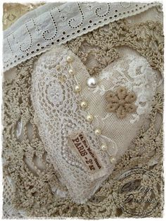 Cottage Dreams heart~❥ from old lace and beads