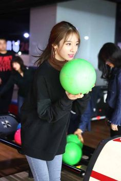 T-ara had a fun time playing Bowling with their fans ~ T-ara World ~ 티아라