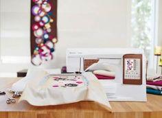 Trasforma il modo di cucire e di ricamare da ordinario a qualcosa di straordinario con la macchina per cucire e ricamare DESIGNER TOPAZ™ 50