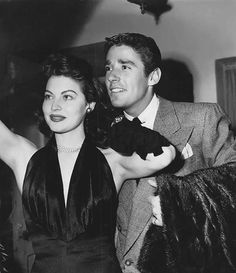 A night on the town with Ava Gardner & Peter Lawford, 1947 Old Hollywood Stars, Hollywood Icons, Hollywood Actor, Golden Age Of Hollywood, Vintage Hollywood, Classic Hollywood, Hollywood Glamour, Hollywood Actresses, Ava Gardner