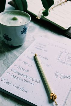 A chat about organized mess & How to write the ultimate to-do list