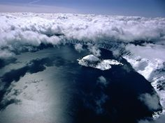Crater Lake Clouds Photograph by Sam Abell A horizontal bank of cloud cover enhances an aerial view of Crater Lake, Oregon. Clouds appear white because they reflect sunlight. Photography Gallery, Aerial Photography, Crater Lake National Park, National Parks, Sam Abell, Cloud Photos, Science, Aerial View, Photoshop