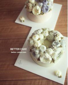 Done by student from Hong Kong (베러 심화클래스/Advanced course) www.better-cakes.com . Any inquiries about my class, plz send me email. bettercakes@naver.com  #buttercream#cake#베이킹#baking#koreanbuttercream#koreancake#버터크림케이크#베러케익#yummy#flower#꽃#sweet#플라워케이크#foodporn#birthday#wedding#디저트#foodie#dessert#버터크림플라워케이크#following#food#piping#beautiful#flowerstagram#instacake#pastry#꽃스타그램#공방#instafood#