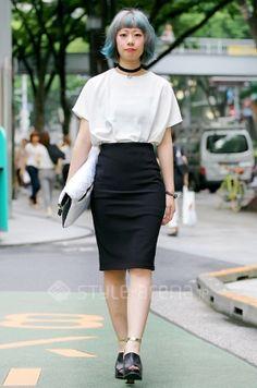yuko's STYLE -TOKYO STREET STYLE | black pencil skirt #fashion