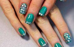 Diseños de uñas Shellac pintadas, diseños de uñas shellac verde. Clic Follow,  #uñasdemoda #acrylicnails #uñassencillas